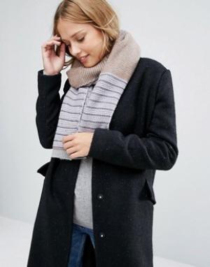 Alice Hannah Полосатый шарф с декоративной строчкой. Цвет: белый