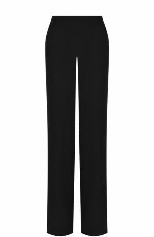Однотонные расклешенные брюки St. John. Цвет: черный