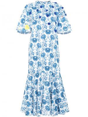 Платье-миди с цветочным принтом All Things Mochi. Цвет: синий