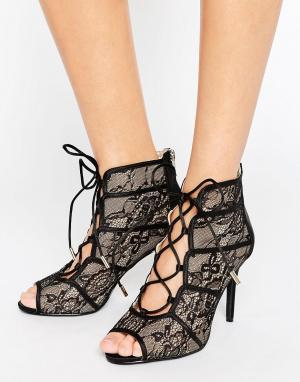 Forever Unique Кружевные сандалии на каблуке Rena. Цвет: черный