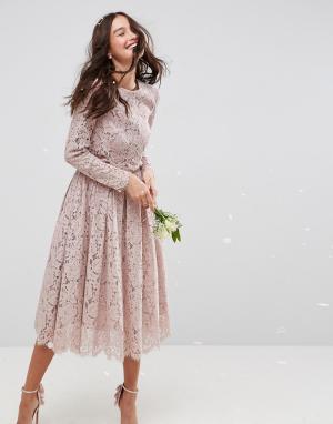 ASOS Кружевное платье миди для выпускного с длинными рукавами WEDDING. Цвет: бежевый