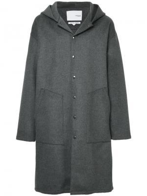 Пальто с приспущенными плечами Yoshiokubo. Цвет: серый