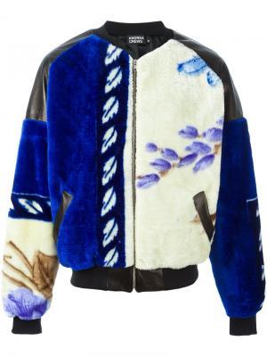 Куртка бомбер с узором Andrea Crews. Цвет: синий