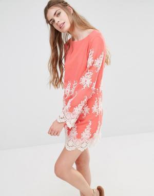 Endless Rose Кружевное платье мини с длинными рукавами. Цвет: розовый