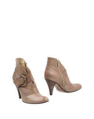 Полусапоги и высокие ботинки FRU.IT. Цвет: хаки
