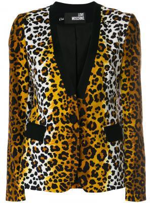 Блейзер с леопардовым узором Love Moschino. Цвет: коричневый