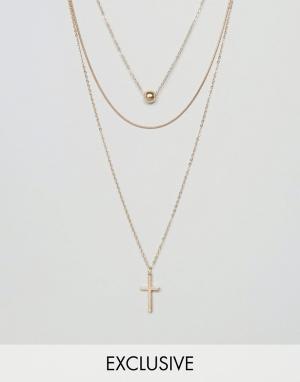 Reclaimed Vintage Ярусное ожерелье с крестиком Inspired. Цвет: золотой