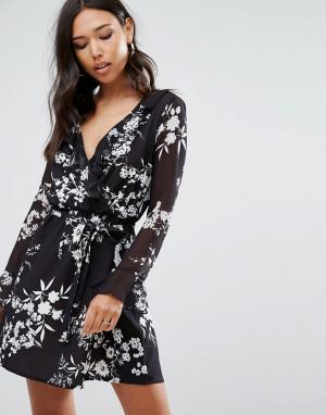 Lipsy Короткое приталенное платье с длинными рукавами, оборками и цветочным. Цвет: мульти