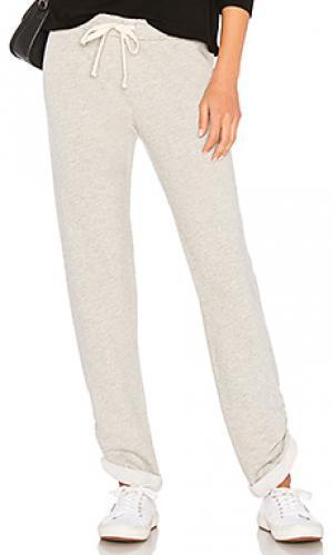 Спортивные брюки boyfriend MONROW. Цвет: серый