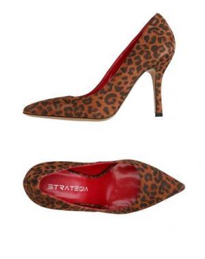 Туфли STRATEGIA. Цвет: коричневый