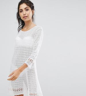 Akasa Пляжное платье кроше с рукавами клеш. Цвет: белый