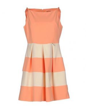 Короткое платье POIS. Цвет: абрикосовый
