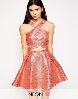 Lashes of London Платье для выпускного с перекрестным передом. Цвет: розовый