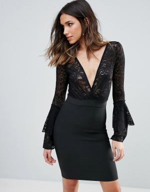 Wow Couture Бандажное облегающее платье с кружевным верхом и глубоким вырезом. Цвет: черный