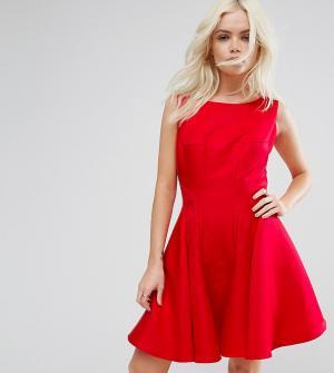 Chi London Petite Приталенное платье мини со свободной юбкой. Цвет: красный