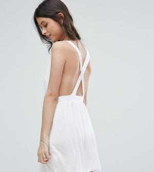 ASOS Petite Пляжное платье мини. Цвет: белый