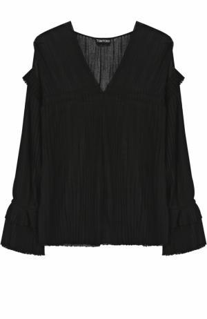 Шелковая плиссированная блуза с V-образным вырезом Tom Ford. Цвет: черный