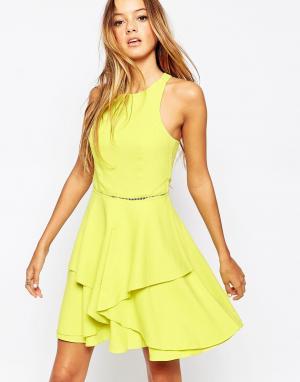 Adelyn Rae Короткое приталенное платье. Цвет: желтый
