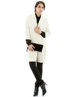 Пальто Levall. Цвет: молочный