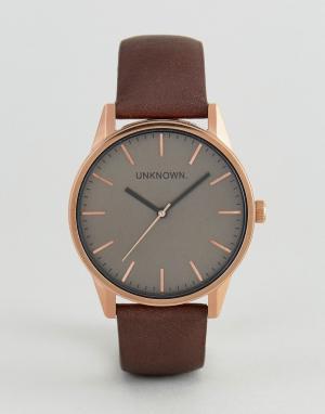 UNKNOWN Часы с коричневым кожаным ремешком Classic. Цвет: коричневый