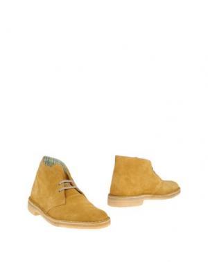 Полусапоги и высокие ботинки CLARKS ORIGINALS. Цвет: охра