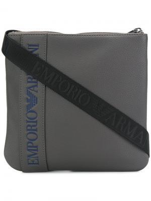 Сумка на плечо с логотипом Emporio Armani. Цвет: серый