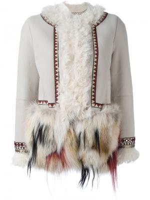 Декорированное пальто Bazar Deluxe. Цвет: телесный