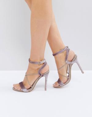 Faith Босоножки на каблуке с ремешками Dana. Цвет: бежевый