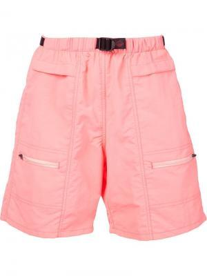 Шорты-бермуды с карманами на молнии Battenwear. Цвет: розовый и фиолетовый