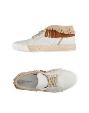 Высокие кеды и кроссовки BAGATT. Цвет: белый