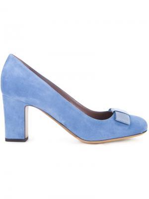Туфли Flora Tabitha Simmons. Цвет: синий
