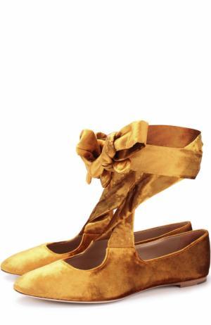 Бархатные балетки на лентах The Row. Цвет: золотой