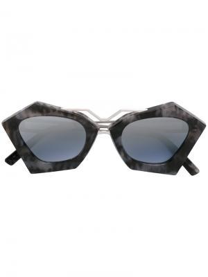 Солнцезащитные очки Frida Kyme. Цвет: серый