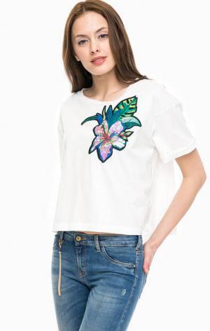 Хлопковая футболка оверсайз с яркой нашивкой Kocca. Цвет: белый