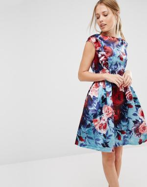 Closet London Короткое приталенное платье без рукавов с цветочным принтом. Цвет: мульти
