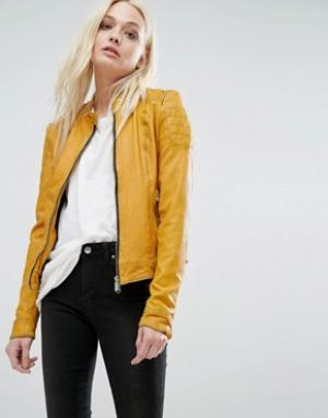 Goosecraft Кожаная байкерская куртка без воротника с отделкой в рубчик на рукавах. Цвет: желтый