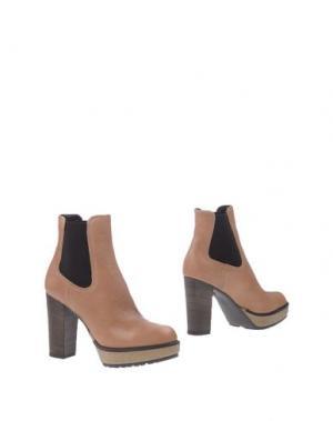Полусапоги и высокие ботинки MANAS. Цвет: светло-коричневый