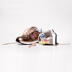 Кеды низкие из кожи на шнуровке NEW BALANCE. Цвет: металлик
