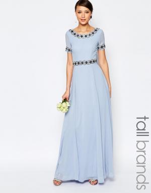 Maya Tall Платье макси с пышной юбкой и отделкой. Цвет: синий