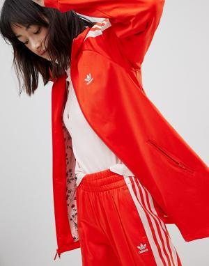 Adidas Originals Красно-розовая спортивная куртка. Цвет: красный