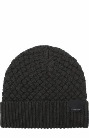 Шерстяная шапка фактурной вязки Canada Goose. Цвет: серый