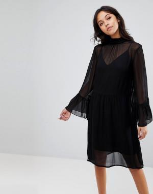 Gestuz Платье с рукавами клеш. Цвет: черный