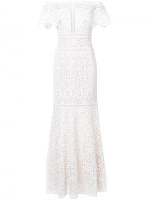 Вечернее платье с вышивкой Tadashi Shoji. Цвет: белый