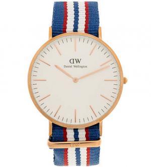 Кварцевые часы с текстильным ремешком в полоску Daniel Wellington