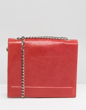 Urbancode Real Leather Chain Strap Box Bag in Red. Цвет: красный