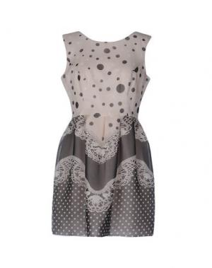 Короткое платье X'S MILANO. Цвет: бежевый