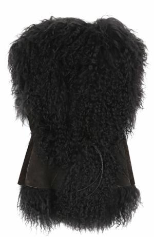 Кожаный жилет с меховой отделкой и поясом Petit Nord. Цвет: коричневый