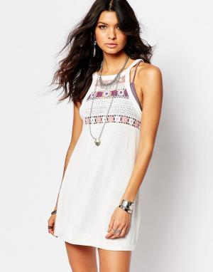 Somedays Вязаное платье с ажурной отделкой у горловины Lovin. Цвет: кремовый