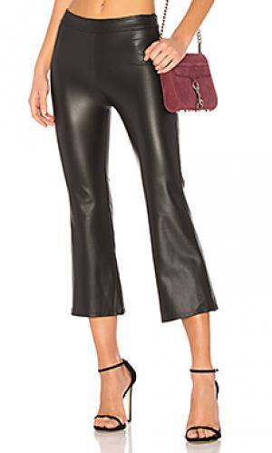 Расклешенные брюки krisa. Цвет: черный