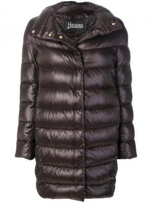 Дутое пальто с воротником шалькой Herno. Цвет: коричневый